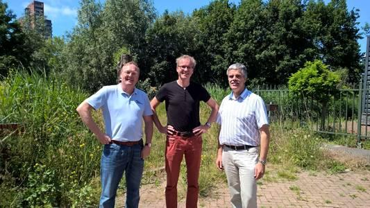 Links Patrick van de Heisteeg van Pharos. In het midden Reinier Mak van Choochem en rechts Peter Hoving van HINT Nederland.
